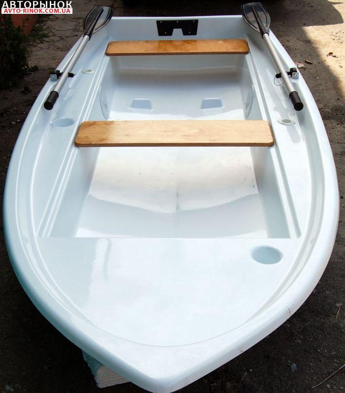 лодка полиэтилен или стеклопластик
